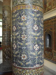 Mosaic columns from Pompeii - Naples, Archaeological Museum . The Glass Mosaics at Pompeii and Herculaneum. Ancient Pompeii, Pompeii And Herculaneum, Ancient Ruins, Ancient Greece, Ancient Egypt, Roman Architecture, Ancient Architecture, Mosaic Art, Mosaic Glass