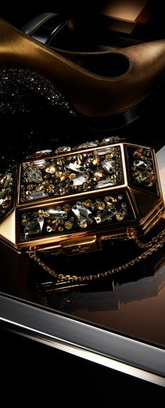 Louis Vuitton by Thomas Legrande Handbag Accessories, Fashion Accessories, Color Cobre, Vuitton Bag, Brown Fashion, Glamour, Beautiful Bags, Evening Bags, Purses And Handbags