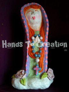 Virgem Maria, escultura em pasta de papel, peça de Hands to Creation.