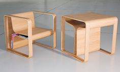 Altridea: Table / chair