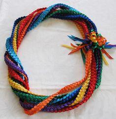 ハワイでリボンレイ&製作スクール Ribbon lei Happy na Mainichi!の画像 Ribbon Lei, Floral Ribbon, Diy Ribbon, Ribbon Work, Ribbon Crafts, Diy Graduation Gifts, Graduation Leis, Money Lei, Hawaii Crafts