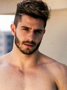 Beard Styles 792563234398699761 - Short beard and mustache Source by anthonysmoreau Cool Hairstyles For Men, Boy Hairstyles, Haircuts For Men, Haircut Men, 2018 Haircuts, Undercut Hairstyles, Popular Hairstyles, Short Haircuts, Hair And Beard Styles
