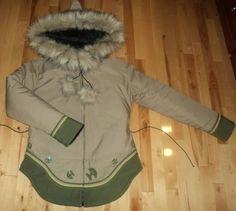 Inuit made women's parka by Siasi Ningiuk Tribal Mode, Tribal Style, Ethnic Style, Winter Fur Coats, Winter Jackets, Inuit Clothing, Parka Style, Womens Parka, Tribal Fashion