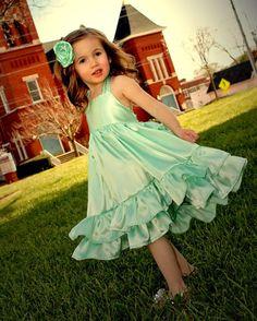 Girls Mint Green Flower Girl Dress Girls Green by rosieposiegifts Green Flower Girl Dresses, Mint Green Bridesmaid Dresses, Mint Green Flowers, Girls Easter Dresses, Girls Pageant Dresses, Little Girl Dresses, Green Dress, Most Beautiful Dresses, Nice Dresses