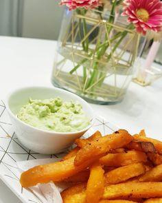 LCHF lowcarb) Min enkla men ack så goda middag. Sötpotatis pommes/fries med guacamole dip 😍