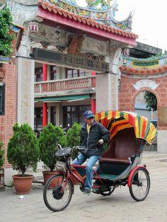One of Taiwan's last cycle rickshaw drivers still plies the streets of Lukang. Sun Moon Lake, China 2017, Old Street, Taipei, Hong Kong, Vietnam, Photography, Blog, Blogging
