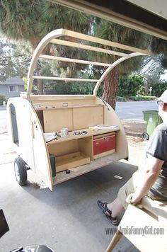 The Joy Of Having A Camping Camper RV On A Camping Trip - family camping site Kombi Trailer, Small Camper Trailers, Diy Camper Trailer, Tiny Camper, Trailer Build, Airstream Trailers, Rv Campers, Happy Campers, Micro Campers