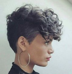 Ideas for hairstyles curly short hair highlights – Frisuren lockig Curly Pixie Haircuts, Curly Hair Cuts, Short Hair Cuts, Curly Hair Styles, Natural Hair Styles, Curly Short, Curly Hair Shaved Side, Natural Curls, Short Hair Shaved Sides