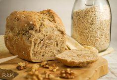 Ein leckeres Brot aus Roggen, Haferflocken und Walnüssen!