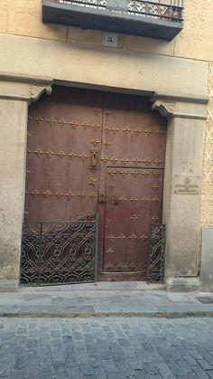 Puerta del Colegio Oficial de Arquitectos #Segovia