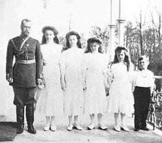 enigmaland:      Tsar Nicholas II, GD Olga Nikolaevna, GD Tatiana Nikolaevna, GD Maria Nikolaevna, GD Anastasia Nikolaevna and Tsarevich Alexei Nikolaevich