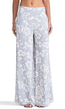 just got these adorable pants in the mail!  perfect summery pantaloonies!  can't wait to wear em around!