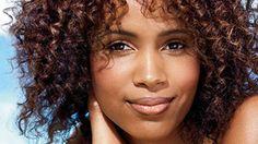 Wash & Wear Hair: 4 Cuts Even a Hair Clutz Can Handle - Bonheurfitness Curly Hair Model, Curly Hair Styles, Natural Hair Styles, Summer Hairstyles, Cool Hairstyles, Hairdos, Hairstyles Haircuts, Bangs For Round Face, Matrix Hair