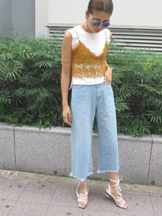 草野春香さんの「【FEMININE】flower laceキャミソール(MURUA)」を使ったコーディネート