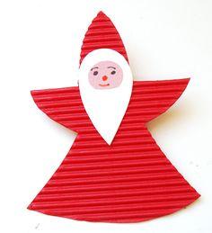 Père Noël en carton ondulé: à suspendre ou à piquer (consolider l'arrière avec un pique à brochettes ou un bâtonnet)