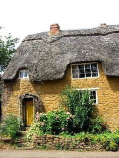Charming thatched cottage at Hanwell, Middlesex