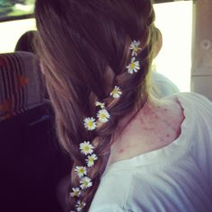 Side braid with flowers