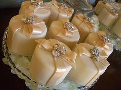 Mini Cakes by Designer Cakes, via Flickr