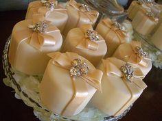 Mini Cakes by Designer Cakes, via Flickr