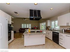 Spacious single family home in Wyndemere Country Club with 3 bedrooms and 3 bathrooms - 199 Edgemere Way S. Naples FL 34105.  Best value home in Mahogany Bend neighborhood.  #naplesgolfcommunities, #naplesgolfhomes, #Napleshomes, #WyndemereHomes, #Naplesgolfguy