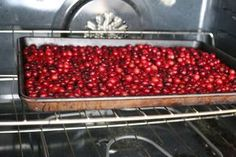 How to Dry Fresh Cranberries | LIVESTRONG.COM