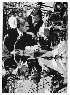 Marcello Mastroianni e Federico Fellini, set di Otto e mezzo. #FelliniOniricon @LibriamoTutti