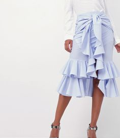 Saia feminina  Modelo midi  Com babados  Com amarração  Marca: A-Collection  Tecido: Tricoline  Modelo veste tamanho: P     Medidas da modelo:     Altura: 1,75  Busto: 88  Cintura: 64  Quadril: 88     COLEÇÃO INVERNO 2017     Veja outras opções de    saias femininas   .