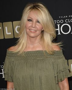 Feathered bangs, feathered hairstyles, new haircuts, fine hair, medium hair Feathered Bangs, Feathered Hairstyles, Heather Locklear Now, Heather Locklear Melrose Place, Der Denver Clan, Medium Hair Styles, Long Hair Styles, Hair Medium, Blonde Moments