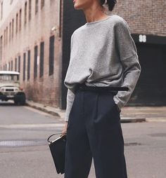 Looks mode, tenu hiver femme, mode femme hiver, look casual femme, mode fem Cold Summer Day Outfit, Summer Day Outfits, Summer Days, Style Summer, Summer Vibes, Minimal Fashion, Work Fashion, New Fashion, Fashion Outfits