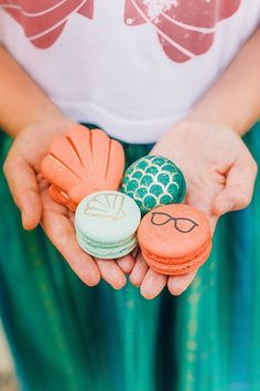 Little Mermaid wedding themed macarons!