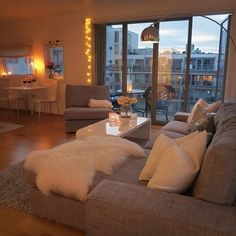 Image about life in Schlafzimmer by jiji on We Heart It Home Room Design, Dream Home Design, Home Interior Design, Living Room Designs, House Design, Girl Apartment Decor, Dream Apartment, Apartment Interior, Luxury Homes Dream Houses