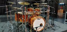 Drums Art, Drum Kits, Music Instruments, Pearls, Musical Instruments, Beads, Gemstones, Pearl