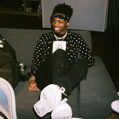 """Metro Boomin taps rap superstars Offset (of Migos) and Drake for a respectable, new flex joint, """"No Complaints."""" All in all, the complaints are few. Mode Hip Hop, Hip Hop Rap, Metro Boomin, Minions, 168, Trippie Redd, Gucci Mane, Big Sean, Followers"""