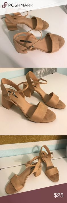 Zara Basic Collection Kitten Heels - Size Eur 40 Zara Basic Collection Kitten Heels - Size Eur 40. Fits like a US Size 9. Zara Shoes Heels