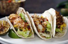Φανταστική συνταγή για σπιτικές τορτίγιες!   ediva.gr Spicy Fish Tacos, Shrimp Tacos, Mexican Bean Salad, Taco Seasoning Packet, Romaine Salad, Vegetarian Tacos, Mongolian Beef, Homemade Spices, Mango Salsa