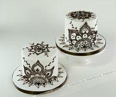 mehndi inspired black and white mini cake decorating design ideas #cake #cakedecorating #mehndi