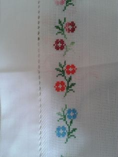 This Pin was discovered by ayl Small Cross Stitch, Cross Stitch Borders, Cross Stitch Flowers, Cross Stitch Charts, Cross Stitch Designs, Cross Stitching, Cross Stitch Embroidery, Cross Stitch Patterns, Silk Ribbon Embroidery