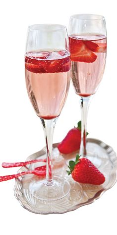 Red Berry Sparkler: 2 oz. New Amsterdam Red Berry Vodka, 1 oz. cranberry juice  Barefoot Bubbly Brut Cuvée and frozen mixed berries.    Chill all ingredients. Add Red Berry Vodka and cranberry juice to a champagne flute. Top with Brut Cuvée and garnish with frozen berries.