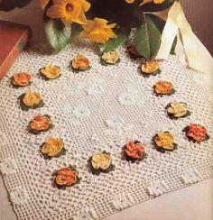 CROCHE COM RECEITA: Toalha quadrada com dezesseis flores em croche