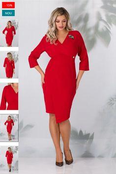 Rochia Kimmy office eleganta cu croiul petrecut este o alegere inspirata pentru un #look clasic si inedit! #Rochia este conica, cu baza asimetrica si design drapat pe sold, pentru a-ti sublinia silueta. Decolteul in V, petrecut si manecile trei sferturi adauga un plus de rafinament tinutei. Cold Shoulder Dress, Dresses With Sleeves, Long Sleeve, Design, Fashion, Moda, Sleeve Dresses, Long Dress Patterns, Fashion Styles