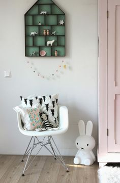 sweet black & white & mint green & pink girl's room / le petit biscuit