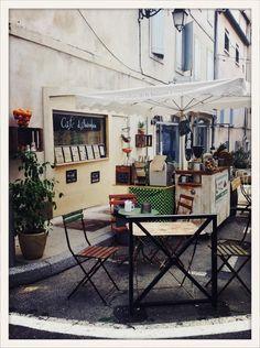 Le Cafe d'Autrefois à Arles