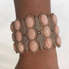 💥💥💥😻😻😻 via Wristie. Coral Jewelry, High Jewelry, Gemstone Jewelry, Couture, Pastel Colors, Womens Fashion, High Fashion, Fashion Jewelry, Bangles