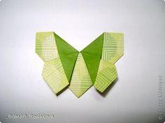 Здравствуйте! Предлагаю вам небольшой МК вот такой простенькой бабочки. Мне очень понравилось делаеть ее на обвесы, и дочке уже сделала парочку, висят над кроваткой))) Сомневалась, делать ли его, но толчком послужил вопрос Аллы насчет ссылки на эту бабочку, и желание поделиться победило все сомнения)). Делала я ее, взяв за основу идею бабочки, сделанной из ткани. Видела эти фото в одной группе в Контакте, я об этом уже писала. Но процессы изготовления из ткани и бумаги, ка вы сами понимаете…