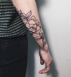 "1,057 To se mi líbí, 2 komentářů – Igor Maslennikov | Tattooer (@marlonb_tatts) na Instagramu: ""🌷#marlonb_tatts #sashatattooingstudio"""