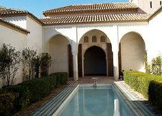 La Alcazaba de Málaga (Spain) Places In Spain, 11th Century, Bella, The Good Place, Cool Photos, Castle, Houses, Paintings, Outdoor Decor
