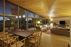Awesome Wooden Home Concept Applied Elegantly and Beautifully: Cozy Interior Of La Pena House By R Zero Architects With Wooden Ceiling Woode. Plafond Design, Wooden Ceilings, Glass Dining Table, Ceiling Design, Ceiling Ideas, Next At Home, Inspired Homes, Tile Design, Modern Decor