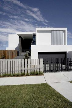 fence gate design images for minimalist house: Modern House Design With Front Fence Black White Color ~ olpos.com Home decoration Inspiration