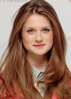 My Brianna Fraser -Outlander- Bonnie Wright Bonnie Wright, Bonnie Francesca Wright, Ginny Weasley, Hermione, Harry Potter Characters, Hollywood Celebrities, Emma Watson, Red Hair, Redheads