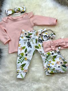 Newborn Girl Coming Home Outfit Baby Girl Take Home Outfit Newborn Girl Clothing Girl Baby Shower Premie Girl Blush Floral Outfit Newborn Girl Outfits, Baby Girl Newborn, Toddler Outfits, Kids Outfits, Baby Baby, Fashion Kids, Baby Girl Fashion, Girls Coming Home Outfit, Take Home Outfit